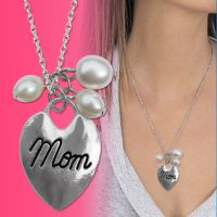 Mom Heart Pearl Necklace